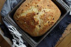 Saftig glutenfri focaccia • www.glutenogmelkefri.com Banana Bread, Desserts, Food, Tailgate Desserts, Deserts, Essen, Postres, Meals, Dessert