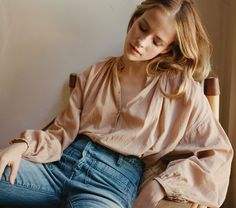 THE JANE BLOUSE -- TOFFEE