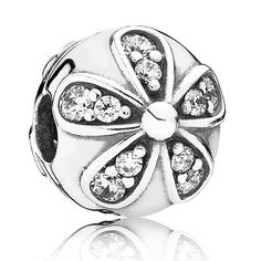 Adorned with a single sparkling daisy on each side, this stylish sterling silver clip and cubic zirconia is simple yet delicate.  Wear it with the enamel versions of the daisy design on a leather bracelet to create a stunning and edgy expression.<br> <b> Style </b>791493CZ