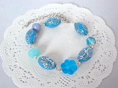 ブルーフラワーとシルバーラインの花模様ビーズのブレスレット Creema Handmade Crafts Beads Accessory Braceret Blue Aqua Flower ハンドメイド アクセサリー クラフト