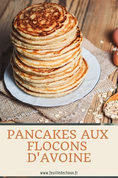 d' au d' Pancakes à la banane et aux flocons d'avoine This is the BEST pancake recipe- I've tried a lot of recipes, and this is by far the best. Perfect pancakes from scratch every time. via Easy Pancakes Oatmeal Pancakes, Protein Pancakes, Breakfast Pancakes, Oatmeal Recipes, Savoury Cake, Vegan, Clean Eating Snacks, Food And Drink, Healthy Recipes