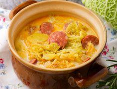 Egy finom Kelkáposzta főzelék ebédre vagy vacsorára? Kelkáposzta főzelék Receptek a Mindmegette.hu Recept gyűjteményében! Thai Red Curry, Smoothie, Chili, Food And Drink, Lunch, Ethnic Recipes, Main Courses, Yummy Food, Elegance Fashion