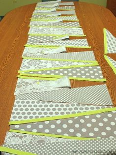 Free Tutorial how to sew a table runner. This looks great!