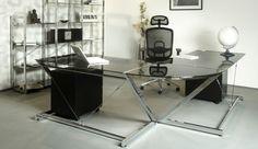 Solidne biurko ze szklanym blatem. Polecane przez firmę Meble Biurowe :)