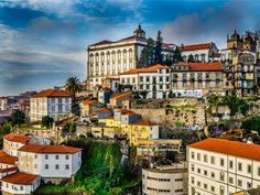 Algarve e Porto sustentam boom no Turismo (e no PIB) Algarve, Places In Portugal, Visit Portugal, Porto Portugal, Portugal Travel, Travel Money, Travel Goals, Budget Travel, Timor Oriental