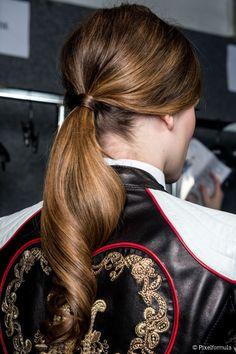 Galerry acconciature capelli ricci per tutti i giorni