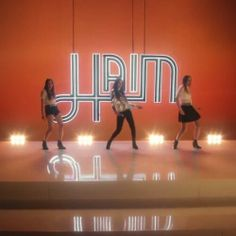 Day 104: HAIM If I could change your mind I love this trio of sisters! Such an eclectic and different beat than most things on the radio right now. The 70/80s vibes and dance moves are especially awesome :) Definitely on my current playlist