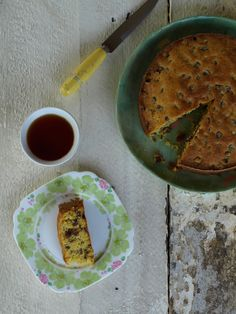 A thoroughly English/Australian cake given a slight Italian renovation. And there's a small trick with the sultanas that makes this cake utterly delicious. Polenta Cakes, English, Baking, Fruit, Ethnic Recipes, Kitchen, Food, Cuisine, Meal