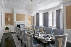 Stunning Dining Rooms Designed By Katharine Pooley | www.bocadolobo.com #moderndiningtables #diningroom #thediningroom #diningarea #diningareadesign #roomdesign #luxurybrands #exclusivedesign #famousinteriordesigners #topinteriordesigners #interiordesign #interiordesigners @moderndiningtables