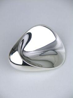 Georg Jensen silver concave thumbprint brooch - design 328