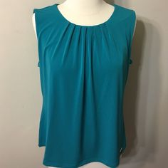 Calvin Klein Top Size M Like new top ,fits to sizes 8-10 Calvin Klein Tops