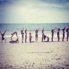 Im pretty sure those are not volleyball players. They are gymnasts or cheerleaders cuz no volleyball player is that flexible. Just sayin Beach Volleyball, Volleyball Drills, Volleyball Quotes, Volleyball Gifts, Volleyball Pictures, Volleyball Players, Volleyball Motivation, Volleyball Party, Volleyball Ideas