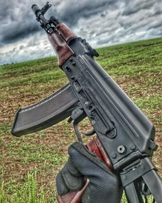 Really well done. Ak 47, Military Weapons, Weapons Guns, Guns And Ammo, Rifles, Armas Wallpaper, Battle Rifle, Assault Rifle, Airsoft