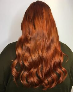Copper red is a perfect match for long, tumbling waves. Created by the team at LaVogue.se.