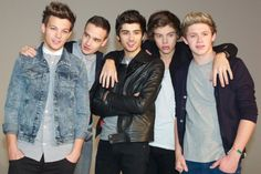 today they announce the winner.... go vote for One Direction NOW! britawardsvote.com