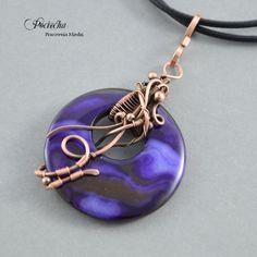 Violet elegance - naszyjnik z wisiorem (proj. Pracownia miedzi - Pociecha), do kupienia w DecoBazaar.com