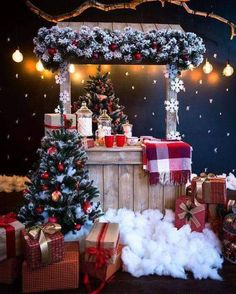 Christmas Stage, Christmas Photo Booth, Christmas Backdrops, Christmas Minis, Christmas Design, Christmas Pictures, Rustic Christmas, Christmas Themes, Christmas Crafts