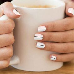 Chic Nail Art, Chic Nails, Classy Nail Art, Elegant Nail Art, Nails Polish, Nail Polish Colors, Color Nails, Black And White Nail Art, White Nails With Design