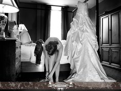 Bride getting ready. Photo by: FRPhoto