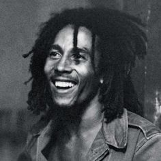 The most amazing smile in the world - cuteoutfitss Reggae Rasta, Reggae Music, Bob Marley Pictures, Reggae Bob Marley, Marley Family, Black King And Queen, Robert Nesta, Nesta Marley, Jamaican Music