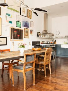 Cuisine, table, chaises, bois, métal