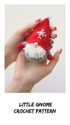 Christmas Games Videos For Children Crochet Christmas Decorations, Christmas Crochet Patterns, Holiday Crochet, Crochet Patterns Amigurumi, Crochet Dolls, Crochet Doll Pattern, Crochet Crafts, Yarn Crafts, Easy Crochet