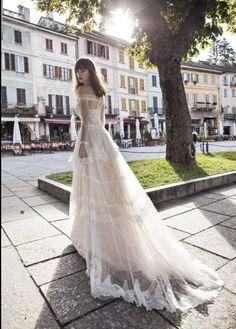 c5d14658c59a Sheath bohemian lightweight wedding dress. Off shoulder transparent Bridal  dress. Bridal gown. Inspi. Strascico Da Abito Da SposaAbiti ...