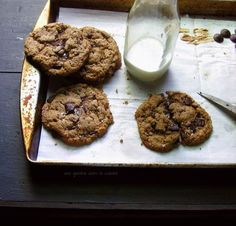 Almond Butter and Dark Chocolate Shard Cookies   Une Gamine Dans la Cuisine :: No flour!