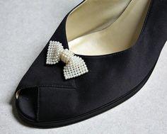 Nice Vintage Pearlesque Lucite Bow Shoe Clips  by estatesalegems, $4.99