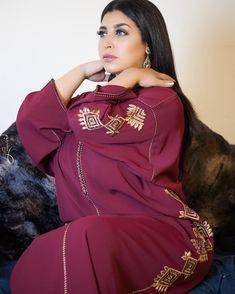 Image may contain: 1 person Moroccan Caftan, Kaftan, Hijab Fashion, Pretty Outfits, Hooded Jacket, Beautiful Women, Graphic Sweatshirt, Plus Size, Ramadan