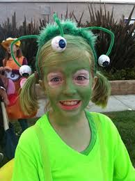 We love to make homemade costumes. Check out some of our inspirations and past homemade costume creations. Space Costumes, Boy Costumes, Costume Ideas, Halloween Costumes, Dress Up Day, Kids Dress Up, Kids Alien Costume, Alien Face Paint, Outer Space Costume