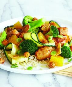Orange Chicken Stir-Fry with Crispy Garlic Dressing - Clean Eating - Clean Eating