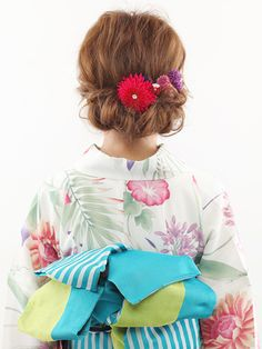 ロング・ミディアム・ショートに似合う、浴衣ヘアアレンジ&髪型をご紹介!浴衣の柄や雰囲気にあわせて、ヘアスタイルもグレードアップ。簡単なのにおしゃれに見える髪型で、浴衣美人を目指しましょう。(55ページ目)