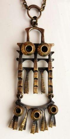 Pentti-Sarpaneva-Finland-Vintage-Brutalist-1970s-Bronze-Owl-Necklace