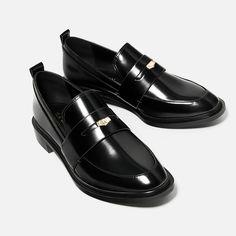 MOCASÍN MONEDA-Zapatos planos-ZAPATOS-MUJER   ZARA España
