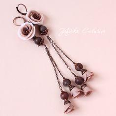 Необычные длинные серьги с розами из полимерной глины