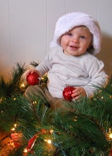 Quintessence: How to take great Christmas pictures of your toddler! #Christmas #thanksgiving #Holiday #quote