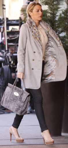 Blake Lively wearing a Mulberry bag