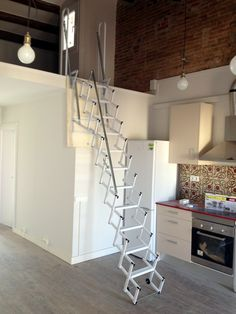 M s de 25 ideas incre bles sobre escaleras plegables en pinterest gradas de garaje muebles - Escalera plegable altillo ...