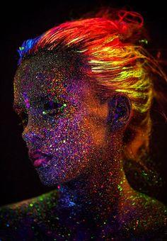 Surpreendentes fotos experimentais usando luz ultravioleta - Curtir Espetacular