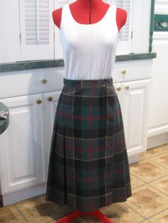 Hey, I found this really awesome Etsy listing at https://www.etsy.com/listing/39092416/vintage-plaid-wool-blend-kilt-skirt-size