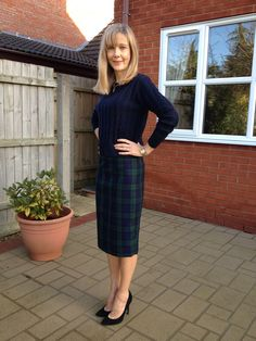 The beautiful Jennifer in her tartan Ultimate Pencil Skirt from our kit. Looks great and what a great fit! // Sew Over It