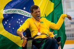 No quarto dia de competições, Brasil leva mais 41 medalhas / Antonio Leme conquistou o bronze na Categoria BC3 da bocha. País segue na liderança do quadro geral, agora com 135 pódios. Já são 55 ouros, 37 pratas e 43 bronzes