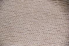 DIY Conjunto bebé parte 1: Como hacer pantalones de lana (patrones) Pablo Neruda, Turtle Neck, Diy, Molde, Dresses For Girls, Frilly Knickers, Baby Leggings, Fleece Pants, Tricot