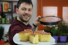 Ρεβανί | Ευτύχης Μπλέτσας Cornbread, Ethnic Recipes, Food, Meal, Eten, Meals, Sweet Cornbread, Corn Bread