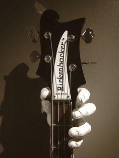 Rickenbacker 4003 close up #rickenbacker #rickenbackerbass #guitargrip