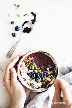 Tips for Delectable Soy Smoothies Acai Smoothie, Vegan Smoothies, Juice Smoothie, Breakfast Smoothies, Breakfast Bowls, Smoothie Bowl, Soy Milk Benefits, Quick Healthy Meals, Food Bowl