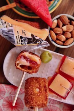 I definitely consider myself a connoisseur of the tastiest snacks and anything on a stick is welcomed to my Summer table! I created melty Manchego and Membrillo sticks drizzled in a honey crema. I looked for the #RealCaliforniaMilk seal when seeking out my Manchego cheese for this creation. I'm a devoted fan of @realcalifmilk products because they are sustainably sourced and made with milk from California dairy farm families. Yes, I know I'm getting the best and can #SnackHappy #ad