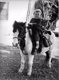 Cowgirls of the Future – 39 Lovely Snapshots of Little Girls Riding on Ponies ~ vintage everyday Vintage Children Photos, Vintage Pictures, Cowboy Girl, Vintage Cowgirl, Pony Rides, Photo B, Cowgirls, Donkey, Dog Treats