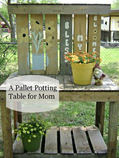 A Potting table for Mom!See how this potting table was made from pallets! via glassslipperrestorations